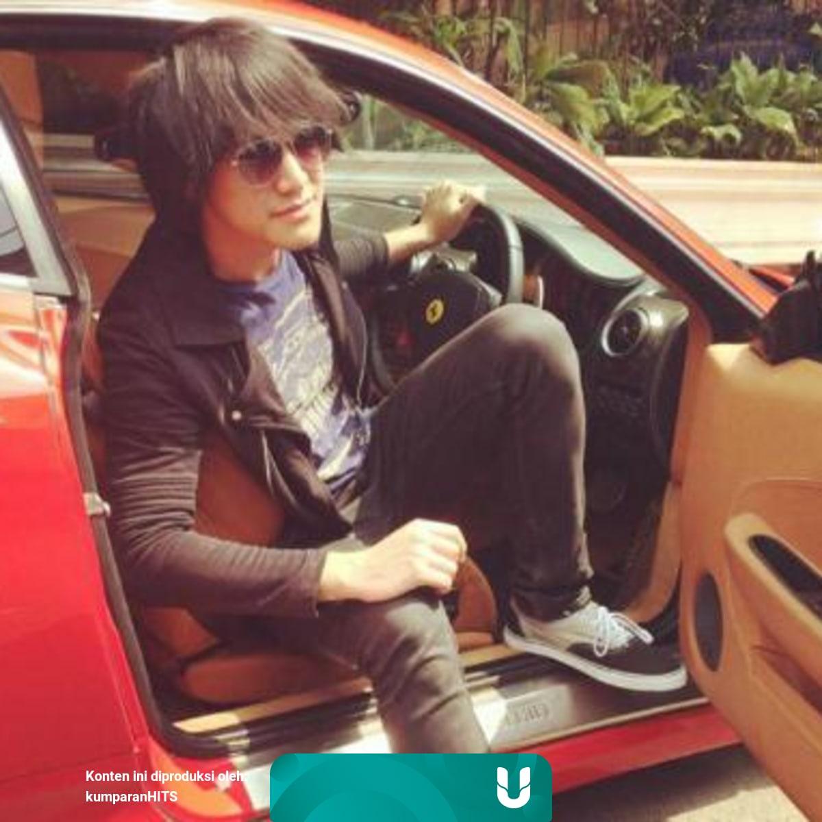 Menengok Mobil Mobil Mewah Dan Keren Para Artis Indonesia Kumparan Com