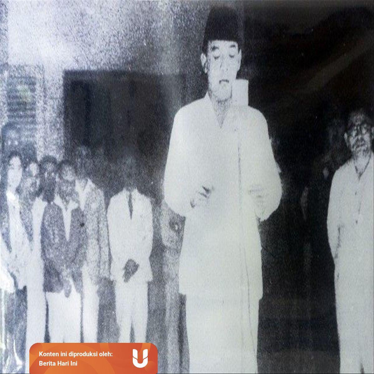 Sejarah Penyusunan Teks Proklamasi Kemerdekaan 17 Agustus 1945 Kumparan Com