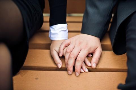 Dragostea pluteşte în aplicaţiile de dating