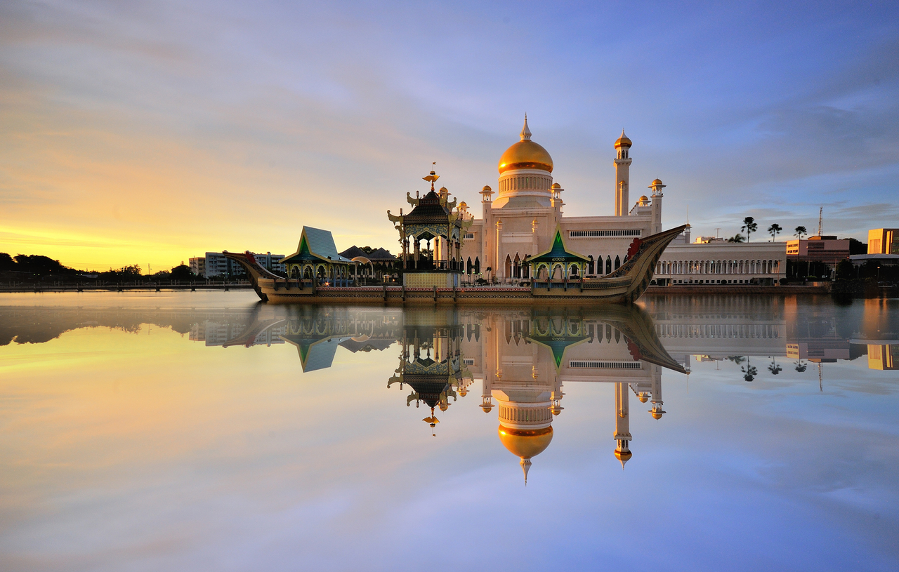Ilustrasi Masjid, Masjid Sultan Omar Ali Saifuddin. Bandar Seri Begawan, Brunei Darussalam