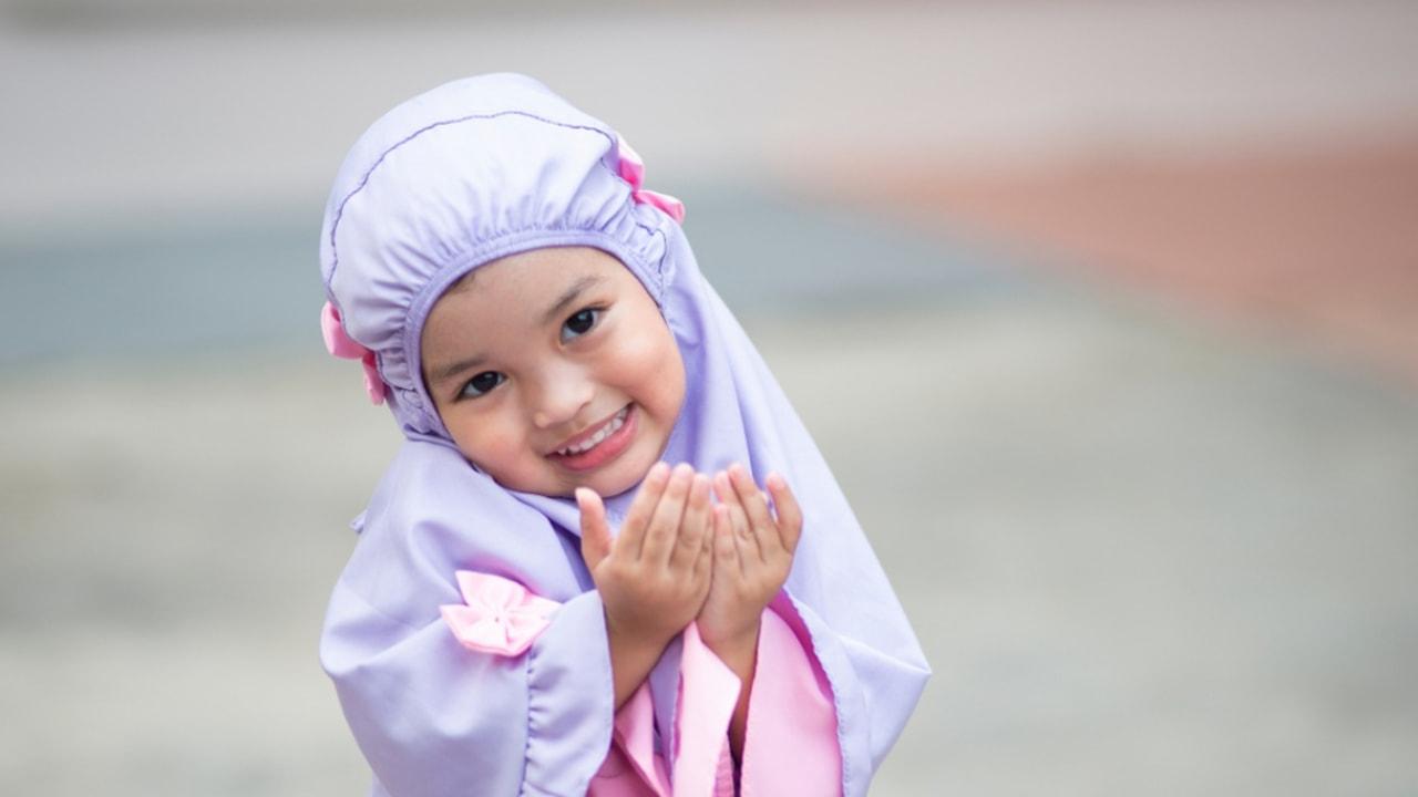 Ilustrasi anak berdoa