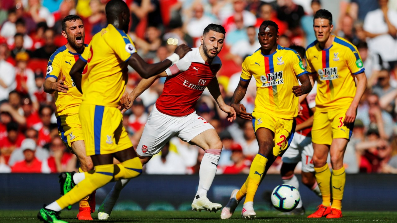Arsenal melawan Crystal Palace