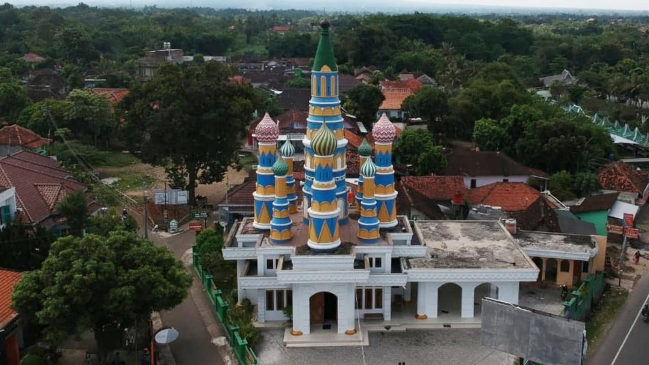 Masjid An Nurumi yang memiliki desain berarsitektur Rusia