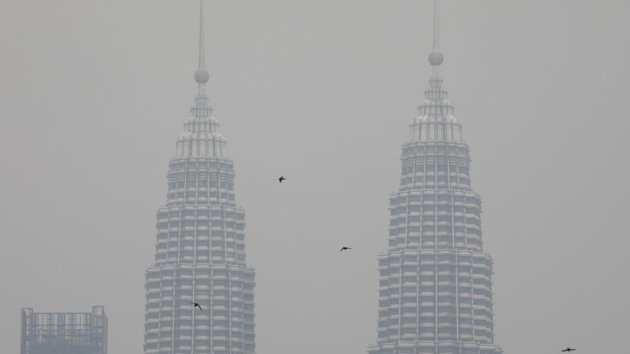 Menara kembar Petronas, Kabut Asap