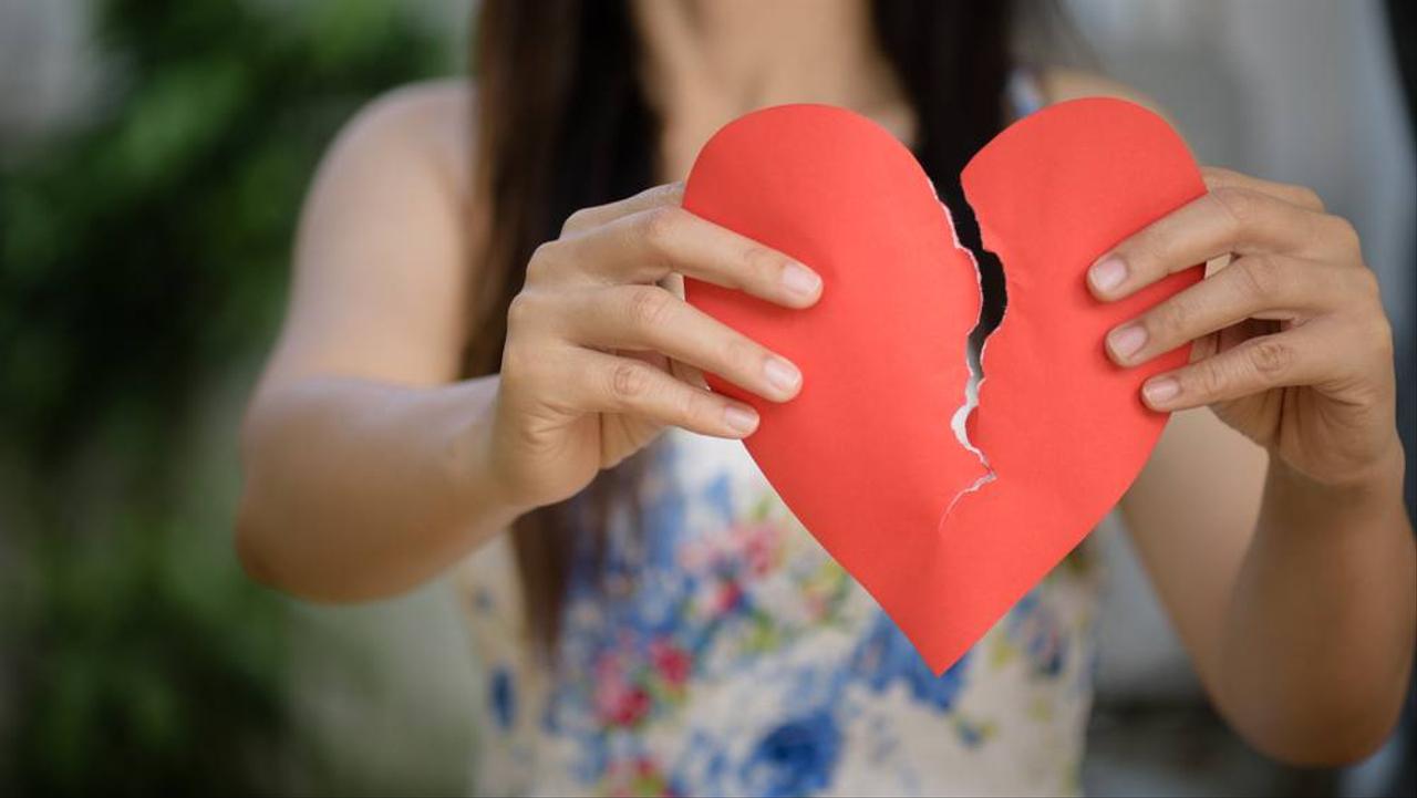 LIPSUS Mengobati Patah Hati, Ilustrasi putus cinta