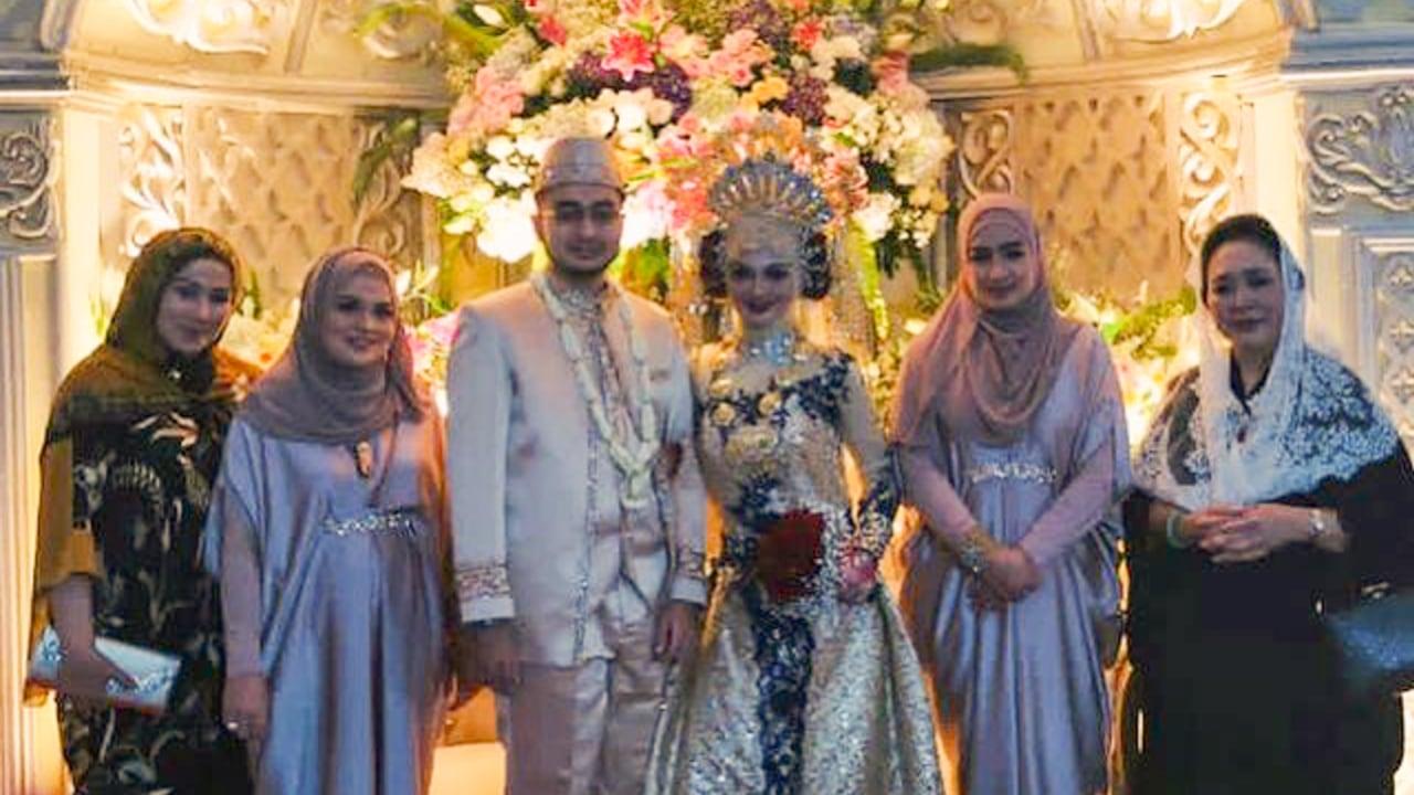 Titiek Soeharto hadiri resepsi pernikahan putri Habib Rizieq