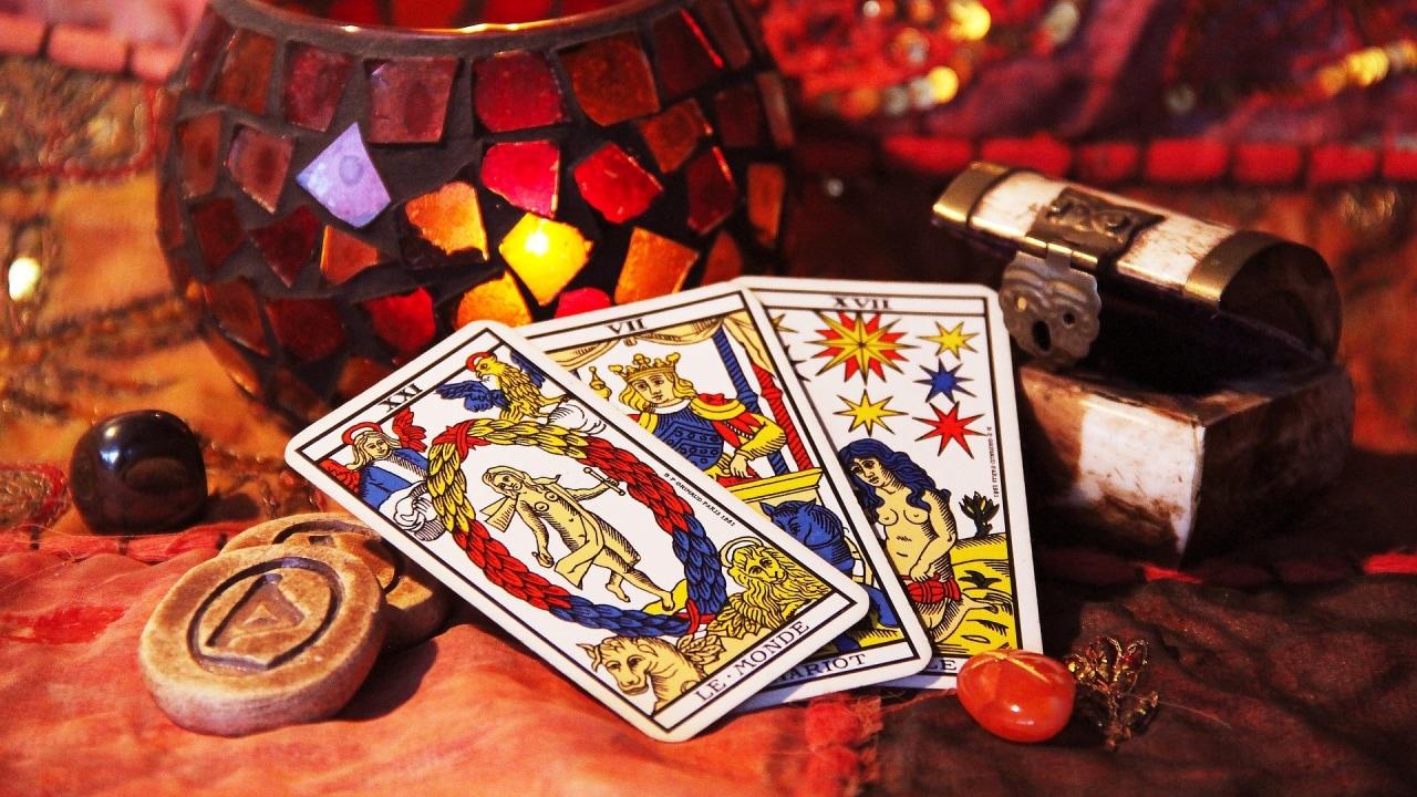 Kumplus- Ramalan Tarot