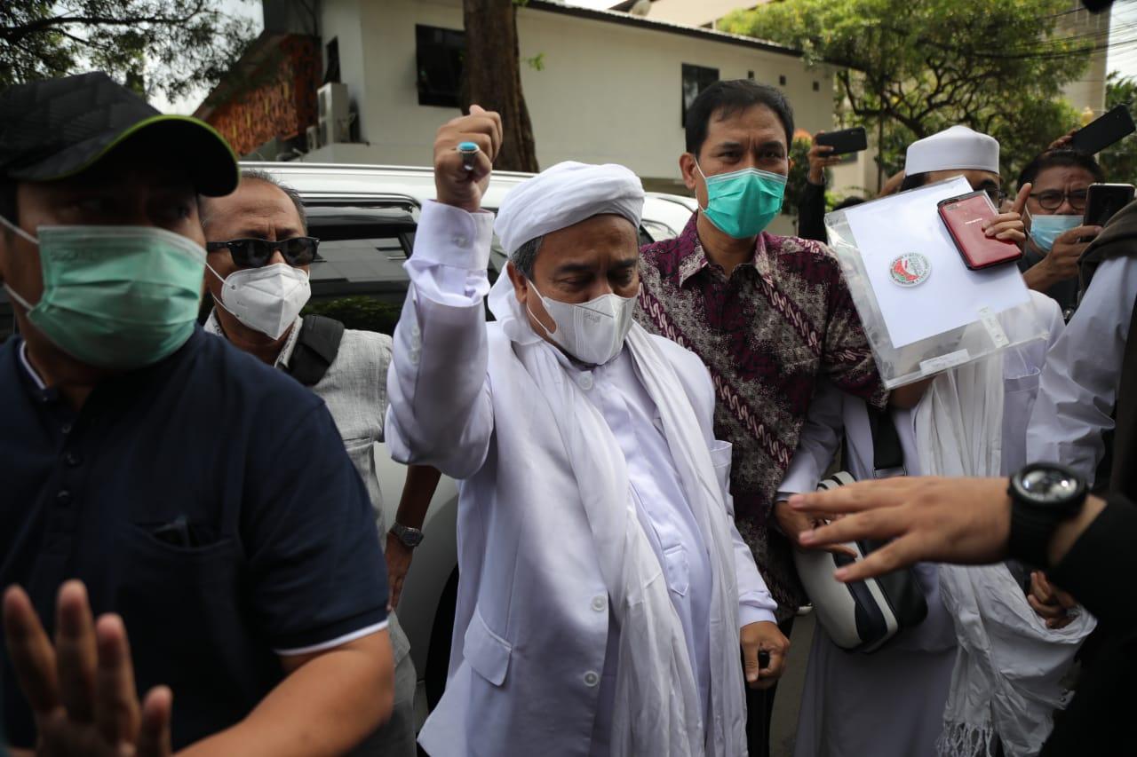 Habib Rizieq Syihab saat tiba di Polda Metro Jaya