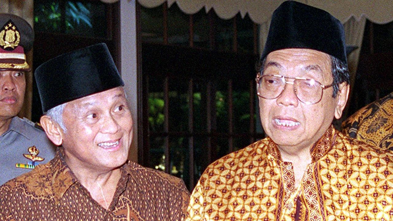 Lipsus Sintong- Gus Dur dan BJ Habibie
