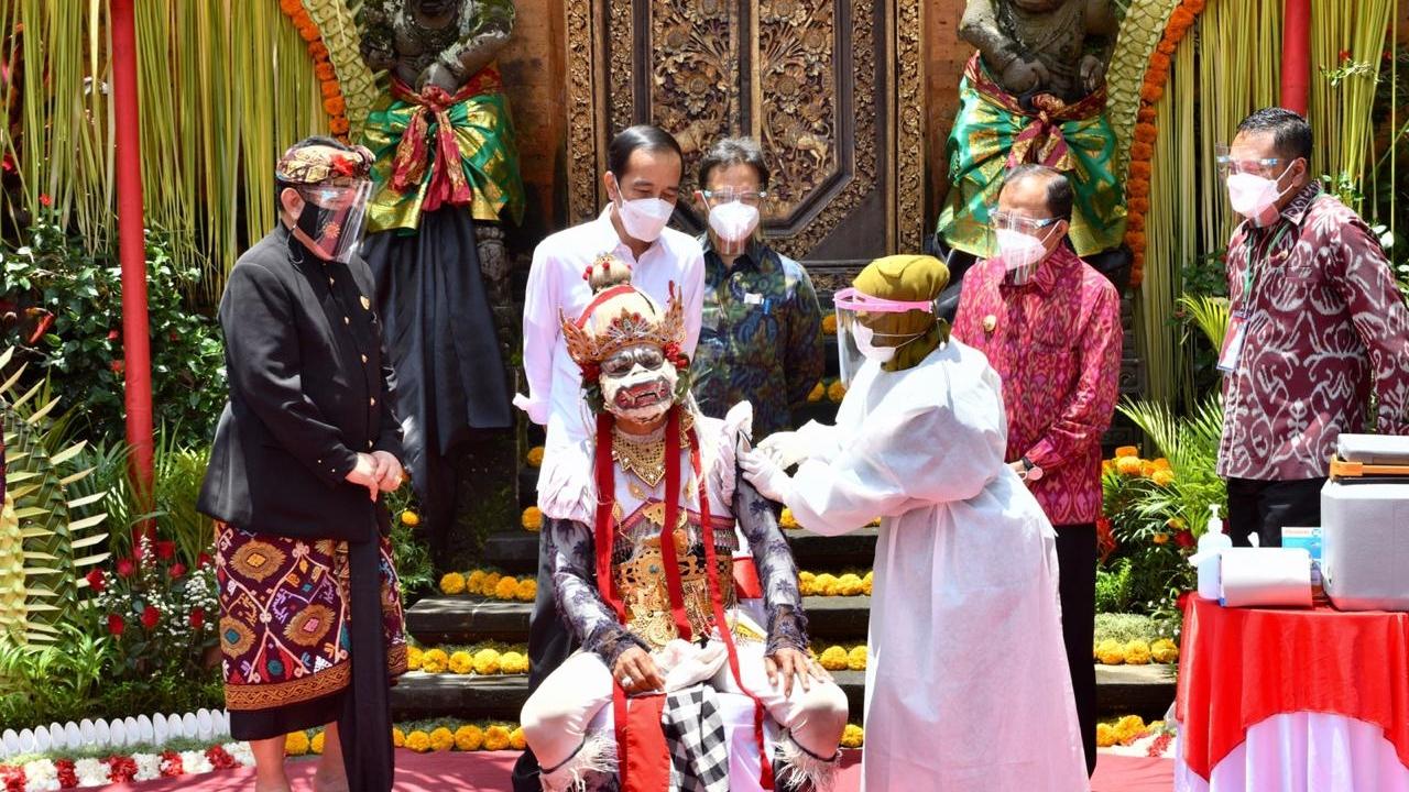 kumplus- Sandiaga Uno- Vaksinasi di Bali