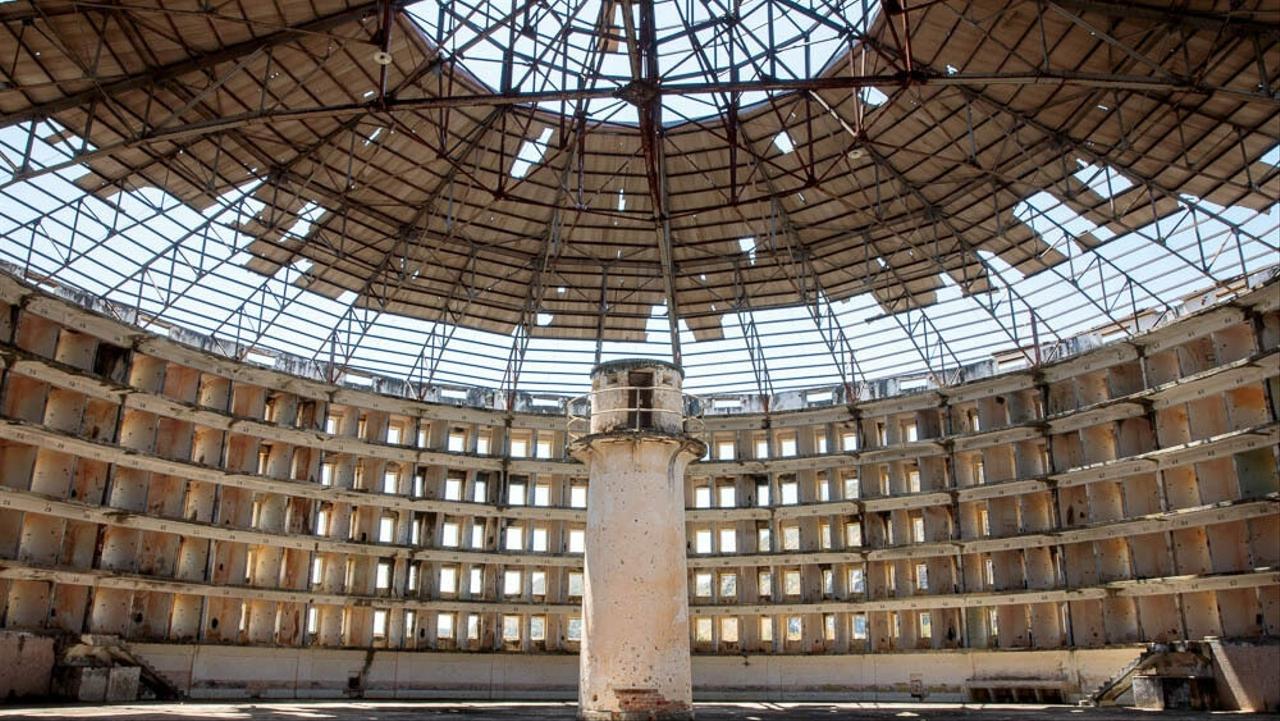Ilustrasi penjara Panopticon.