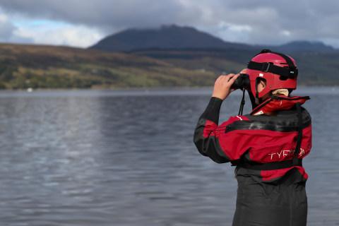 Foto: Menggiring Paus Kembali ke Laut Jelang Latihan Militer Skotlandia (2)