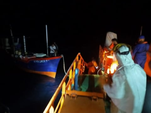 Kapal Mati Mesin, 6 Nelayan di Maluku Utara Dievakuasi Basarnas Ternate