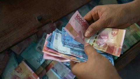 Elakkan Menyimpan Duit Tunai Yang Banyak Dalam Dompet