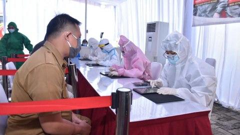 BIN Gelar Tes Swab Massal di Tangerang Selatan (2)