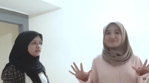 Melihat Rumah Unik Milik Arafah Rianti, Ada Pintu hingga Boneka yang Menggantung (4)