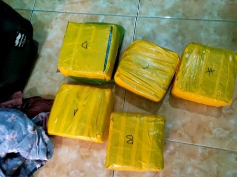 BNN Jabar Tangkap Pengedar 5 Kg Sabu di Depok, Digerebek di Kontrakan