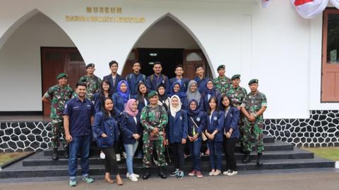 Yang Perlu Diketahui soal Raibnya Patung Soeharto-AH Nasution di Museum Kostrad (5)