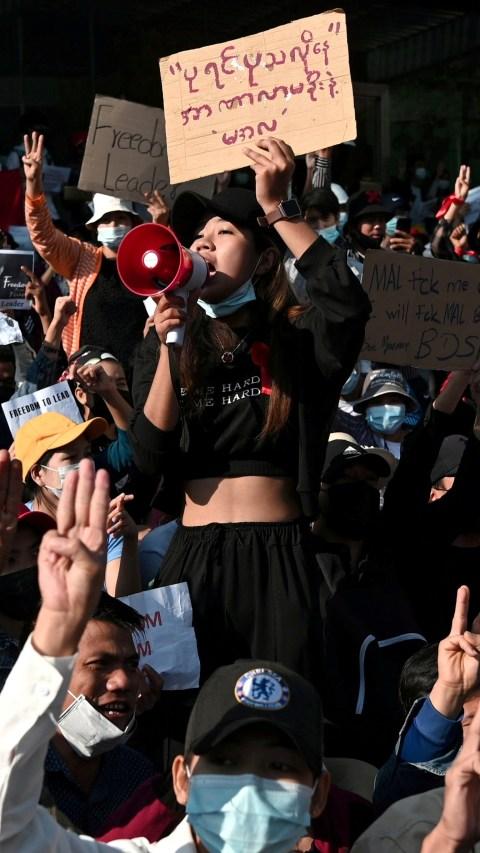Polisi Myanmar Tangkap 27 Demonstran Termasuk Jurnalis