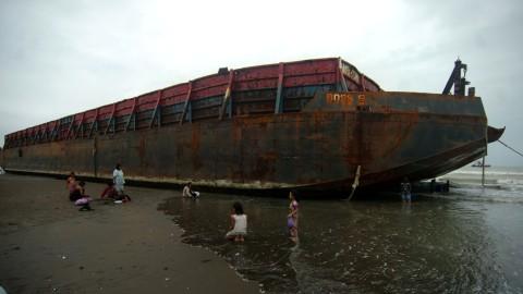 60 Orang Tewas Akibat Kecelakaan Kapal Tongkang di Kongo