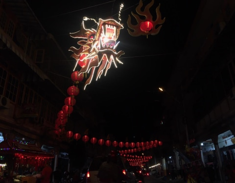 Foto: Ibadah Malam Tahun Baru Imlek di Singkawang (2)
