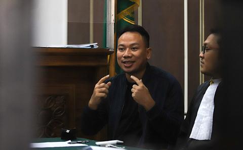 Vicky Prasetyo Dimintai Keterangan Terkait Laporannya terhadap Adik Angel Lelga
