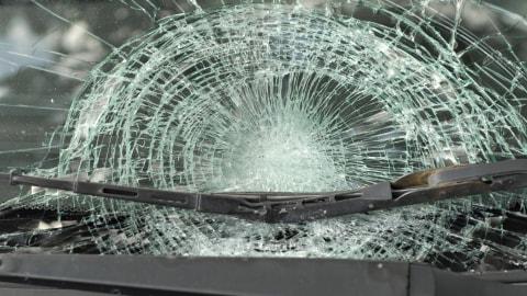 Kecelakaan Tunggal Terjadi di Grogol, Mobil Terbalik hingga Ringsek