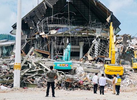 Pengungsi Gempa Sulbar yang Rumahnya Rusak Ringan Diimbau Kembali ke Kediamannya (2)