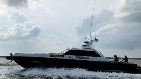 Polisi Buru Pemilik Paspor yang Tertinggal di Kapal Pembawa Sabu-sabu (1)