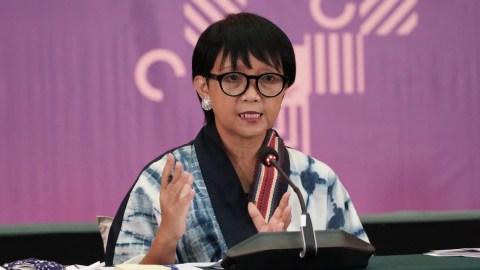 Menlu Retno Akan Bicarakan Hilangnya WNI Istri Pendeta ke Menlu Malaysia