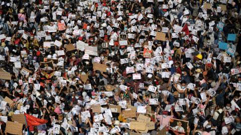 Polisi Myanmar Tangkap 27 Demonstran Termasuk Jurnalis (2)