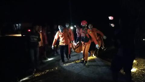 Ayah dan Anak Ditemukan Tewas Mengapung di Sungai Musi