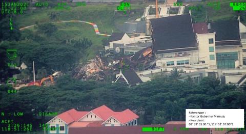 Foto Udara Kondisi Terkini Mamuju Usai Diguncang Gempa 6 2 M Kumparan Com