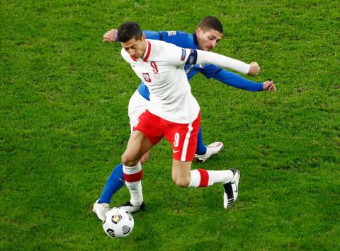 Inggris vs Polandia: Tim Tamu Kehilangan Robert Lewandowski yang Alami  Cedera - kumparan.com