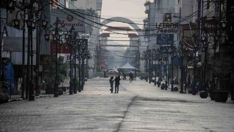 Foto: Suasana Sepi Bandung saat PPKM Diperpanjang
