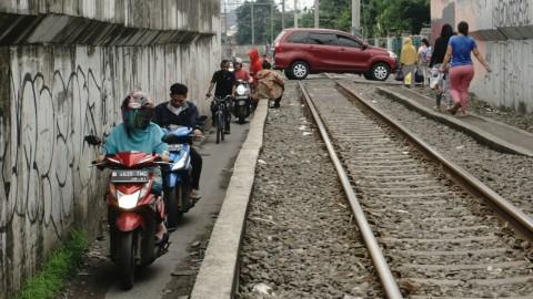 Antisipasi Mesin Mobil Mati Mendadak Ketika Lewat Rel Kereta (1)