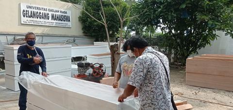 Alumni UGM Buat Peti Mati Jenazah Pasien Corona, Disumbangkan ke RS di Yogya (1)