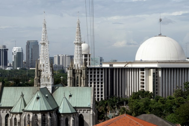 Gereja Katedral dan Masjid Istiqlal