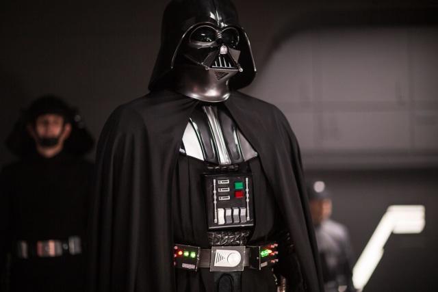 Pemeran Darth Vader, Dave Prowse, Meninggal Dunia (16973)