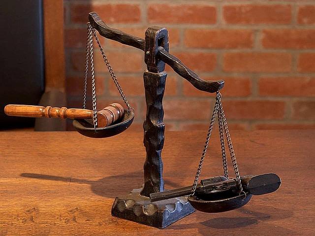 Ilustrasi Palu Sidang Hukum