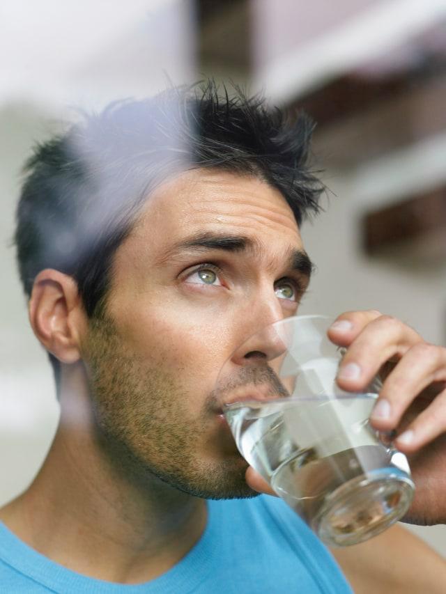 Minum Air Putih (bukan cover)
