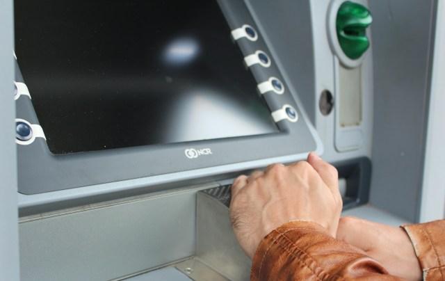 Kasus Pembobolan Rekening oleh Suami Sendiri, Haruskah Pasangan Berbagi PIN ATM? (67157)