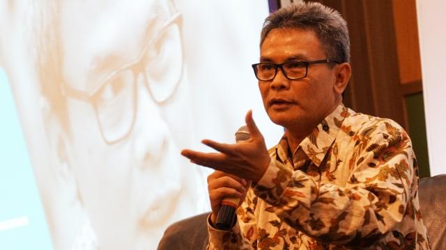 Jelang Pergantian Kapolri, PDIP Pindahkan Johan Budi ke Komisi III DPR (46399)