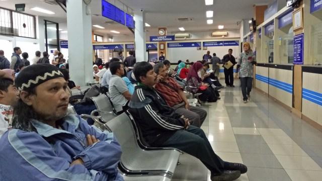 PSBB Jakarta, Bayar Pajak dan Pengesahan STNK 5 Tahun Tetap Datang ke Samsat? (26966)