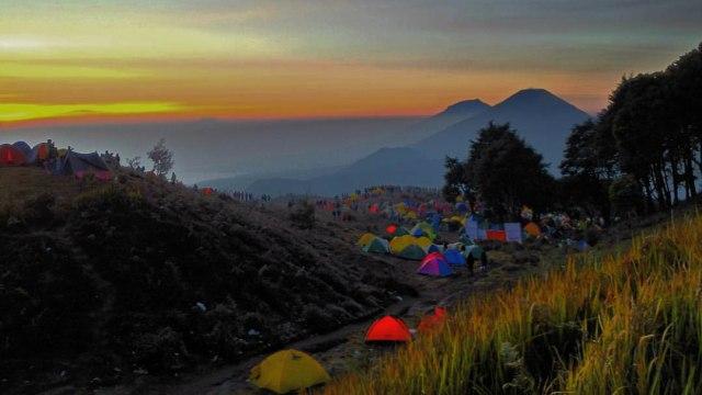 Daftar Gunung di Indonesia yang Tutup Sementara Jalur Pendakian Sejak Awal 2021 (61176)
