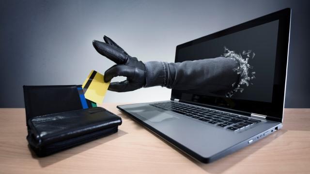 Ilustrasi Pencurian Kartu Kredit