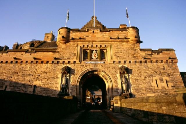 Ada (Banyak) Hantu di Kastil-kastil Inggris (83084)