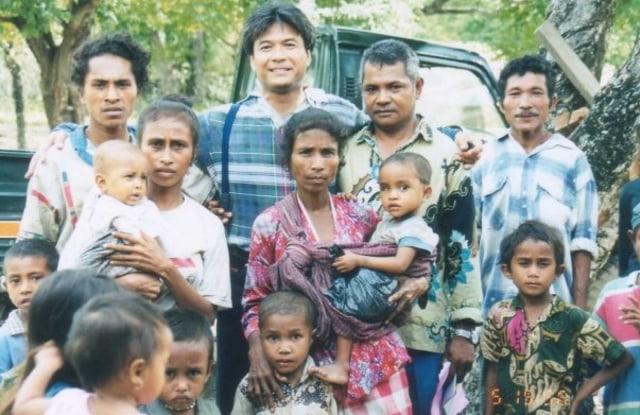 Budi Soehardi, Pilot Malaikat bagi Pengungsi Timor (301336)