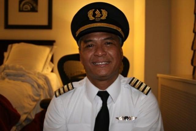 Budi Soehardi, Pilot Malaikat bagi Pengungsi Timor (301334)