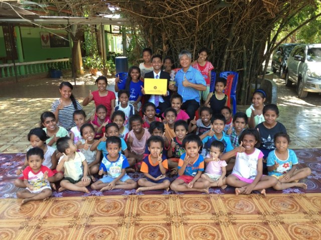 Budi Soehardi, Pilot Malaikat bagi Pengungsi Timor (301340)